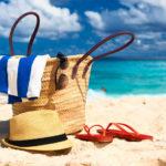 Dodatki na plażę torba plażowa okulary przeciwsłoneczne ręcznik i klapki