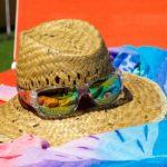 okulary przeciwsłoneczne uatrakcyjnią twój wyglad w kostiumie kąpielowym